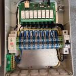 malý rozvádzač s výkonovou elektronikou a istením